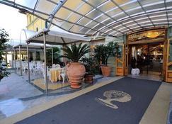 Grand Hotel Tettuccio - Montecatini Terme - Building