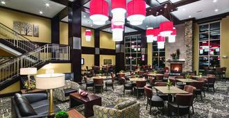 Clubhouse Hotel & Suites Fargo - Fargo - Lounge