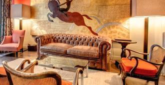 Crystal Hotel - Paris - Living room