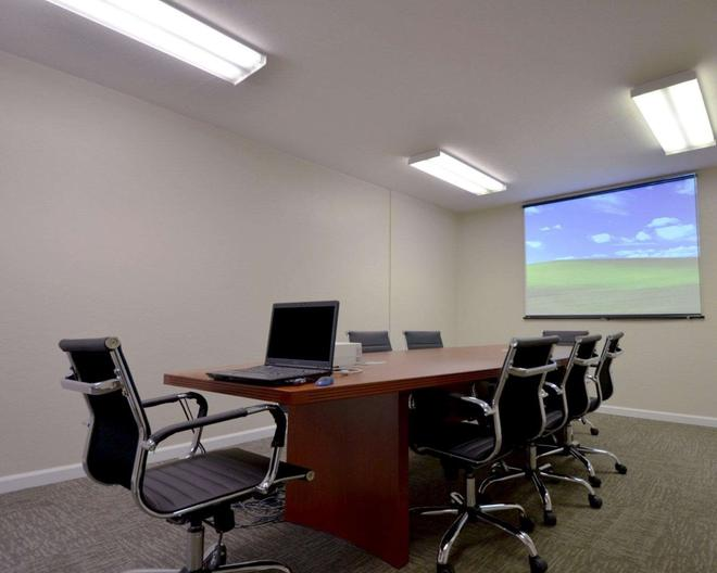 Suburban Extended Stay Hotel Melbourne Airport - Melbourne - Business center