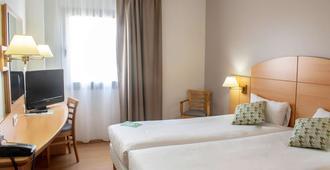 Hotel Campanile Madrid - Alcalá de Henares - Alcalá de Henares - Habitación
