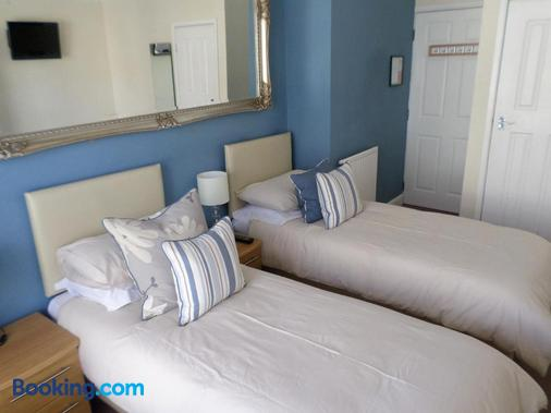St Bernards Guesthouse - Newquay - Bedroom