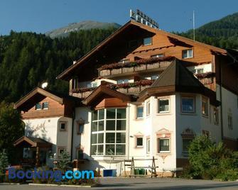 Sporthotel Molltal - Flattach - Gebäude