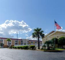 Rodeway Inn and Suites Jacksonville near Camp Lejeune