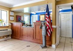 Rodeway Inn and Suites Jacksonville near Camp Lejeune - Jacksonville - Lobby