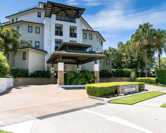 Grand Mercure Allegra Hervey Bay - Torquay - Building
