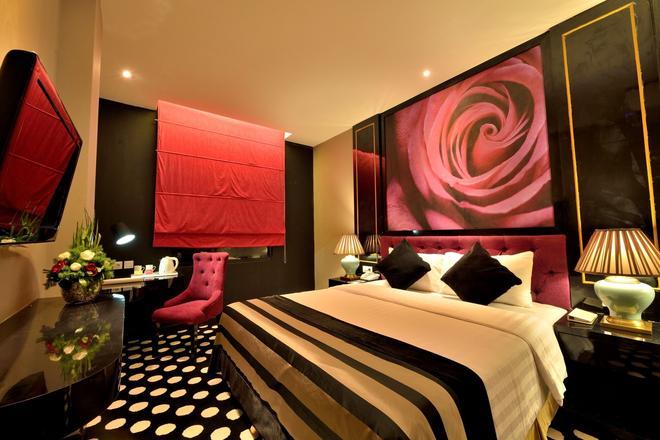 Little Amaroossa Residence - Jakarta - Bedroom