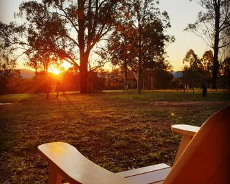 Woodlane Cottages - Lovedale - Outdoors view