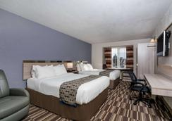 Microtel Inn & Suites by Wyndham Rochester Mayo Clinic North - Rochester - Bedroom