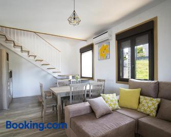 Casa A Rotea - Vilaboa - Living room
