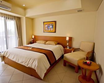 Puri Kiic Golf View Hotel - Karawang - Bedroom