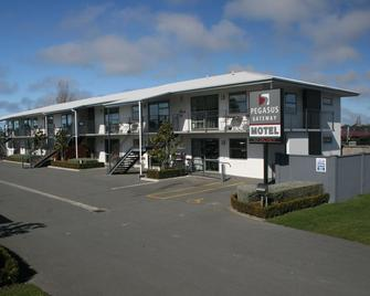 Pegasus Gateway Motels And Apartments - Rangiora - Building