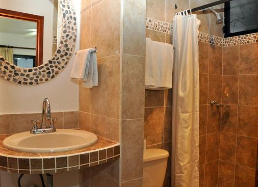 Chac Chi Hotel And Suites - Isla Mujeres - Bathroom