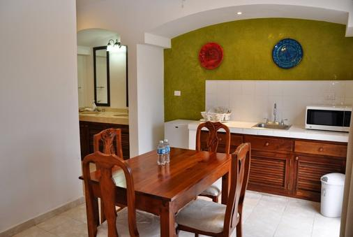 Chac Chi Hotel And Suites - Isla Mujeres - Dining room