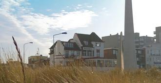 Strandhotel Scheveningen - האג - בניין