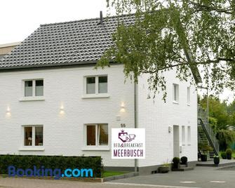 Bed & Breakfast Meerbusch - Meerbusch - Building