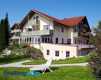 Xundheits Hotel Garni Eckershof - Bad Birnbach - Building