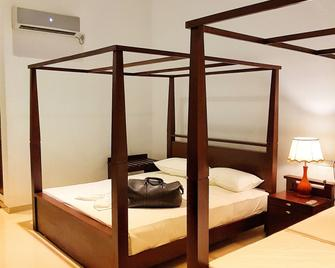 Livinya Holiday Resort - Kataragama - Schlafzimmer