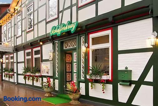 Schifferkrug Hotel & Restaurant - Celle - Building