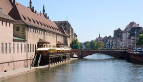 Hôtel Mercure Strasbourg Centre Petite France - Estrasburgo - Vista externa