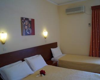 Hotel Brati - Arcoudi - Аркуді - Спальня