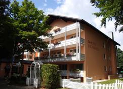 PTI Hotel Eichwald - Bad Woerishofen - Building