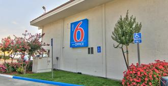 Motel 6 Sacramento Old Sacramento North - Sác-cra-men-tô - Toà nhà