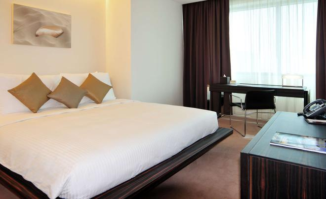 The Radisson Blu Residence, Dubai Marina - Dubai - Bedroom
