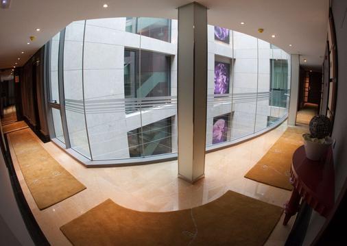 Nexus Valladolid Suites & Hotel - Valladolid - Lobby