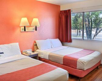 Motel 6 Atascadero - Atascadero - Bedroom