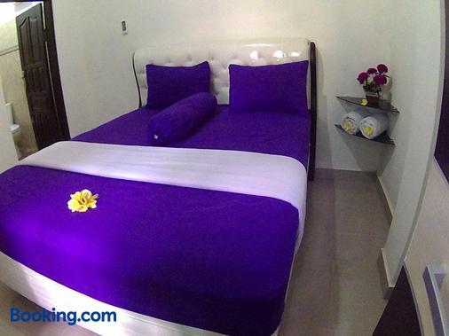 24/7 Bed & Breakfast - South Kuta - Bedroom