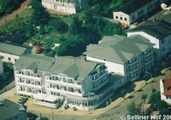 Hotel Selliner Hof - Sellin - Näkymät ulkona
