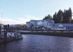 Quarterdeck Inn & Marina Resort - Port Hardy - Toà nhà