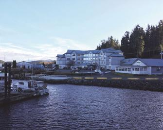 Quarterdeck Inn & Marina Resort - Port Hardy - Edificio