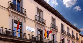 Hostal Alhambra Suites - Madrid - Rakennus