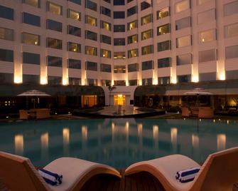 Radisson Blu Hotel Ranchi - Ranchi - Piscina