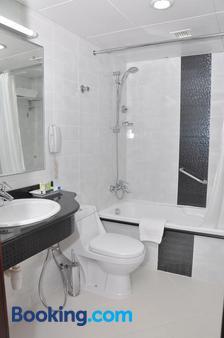 Phoenix Plaza Hotel Apartments - Abu Dhabi - Phòng tắm