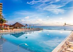 Crown Paradise Club Cancun - Cancún - Piscina
