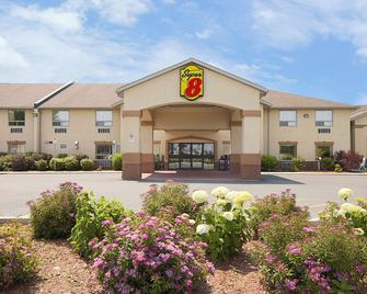 Super 8 by Wyndham Cornwall ON - Cornwall - Gebouw