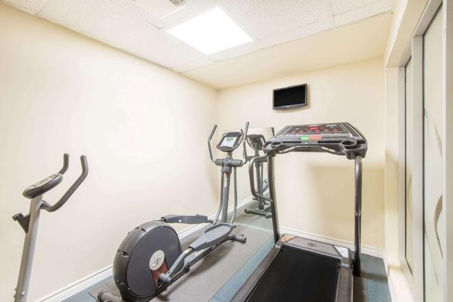 Super 8 by Wyndham Cornwall ON - Cornwall - Gym