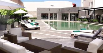 Courtyard by Marriott Puebla Las Animas - Puebla City - Pool