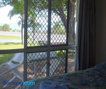 Ocean View Motel Bowen - Bowen - Bedroom
