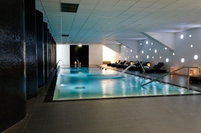 Open Village Sports Hotel & Spa Club - Guimarães - Pool