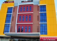 Venia Hotel - Sekupang - Building