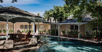 Plantation Bay Resort and Spa - Lapu-Lapu City - Pool
