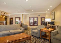 Comfort Suites - Bloomington - Lobby