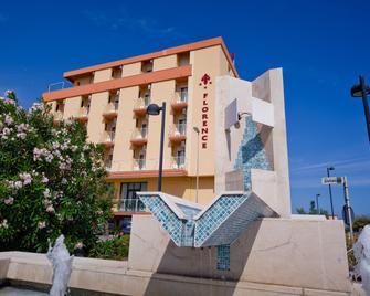 Hotel Florence - Marotta - Κτίριο
