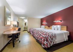 Red Roof Inn Seattle Airport - Seatac - SeaTac - Bedroom