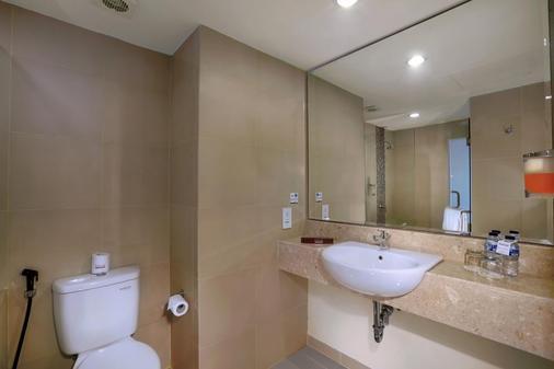 Favehotel Sunset Seminyak - Kuta - Phòng tắm