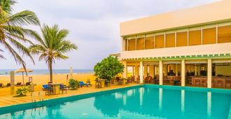 Jetwing Sea - Negombo - Bể bơi